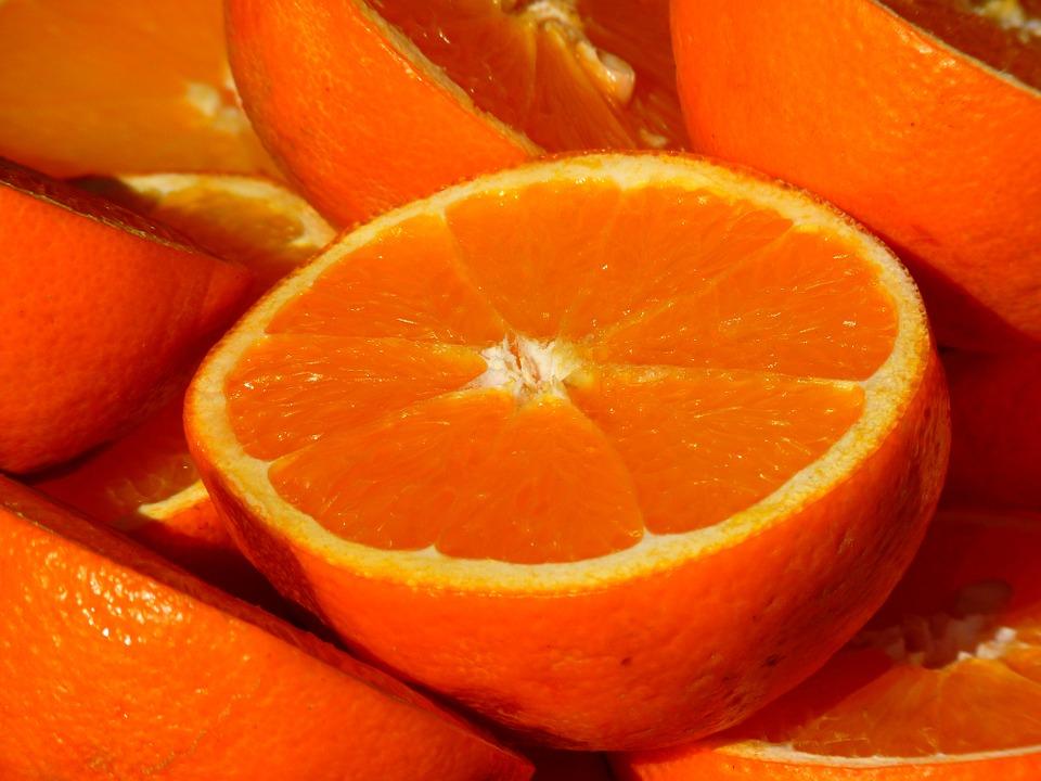 オレンジアイシャドウ